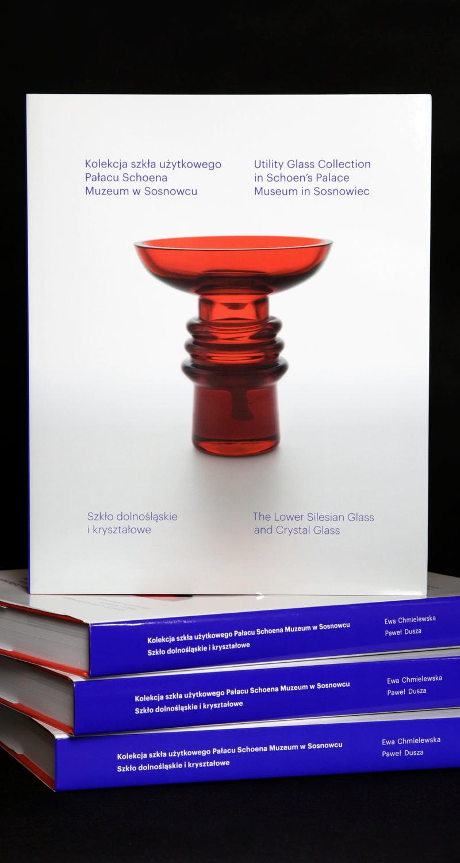 """""""Kolekcja szkła użytkowego Pałacu Schoena Muzeum w Sosnowcu. Szkło dolnośląskie i kryształowe"""" dostępne w sprzedaży"""