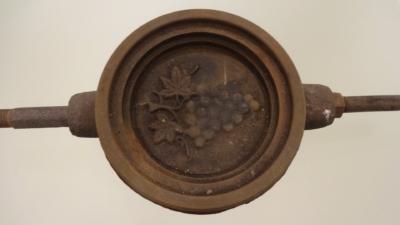 215. Forma do szkła prasowanego, 1978-2010